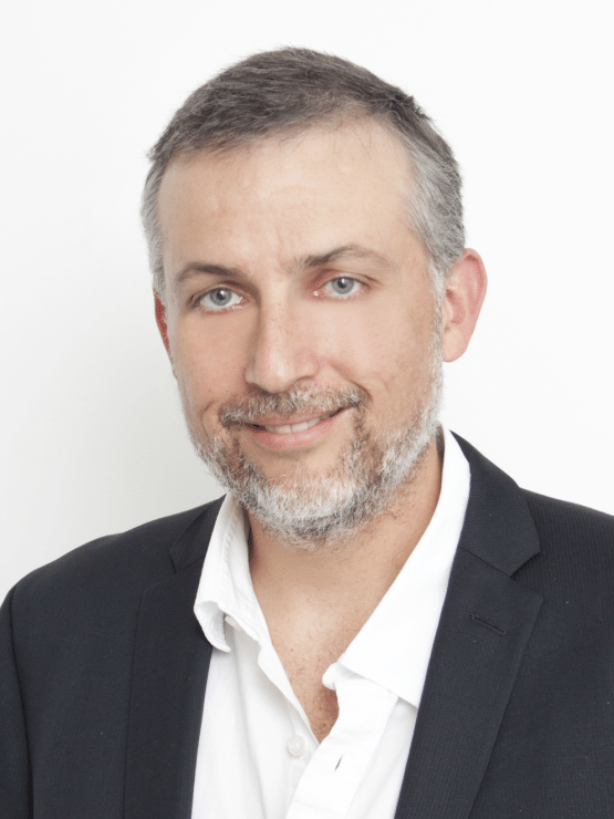 Dr. Alejandro Sáenz